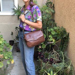 Vintage brown Gucci pebbled leather shoulder bag